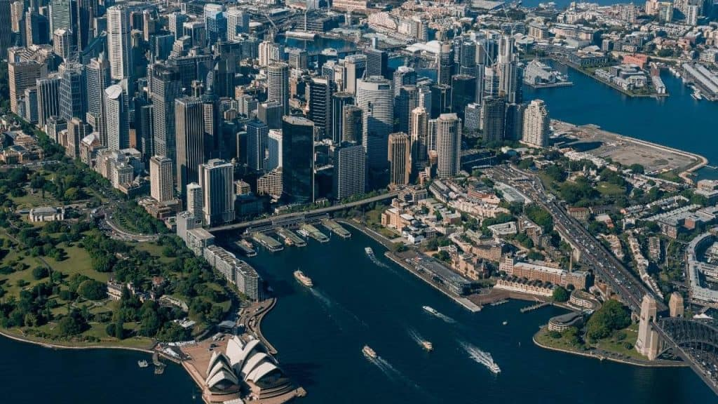 An image od Sydney CBD and the water