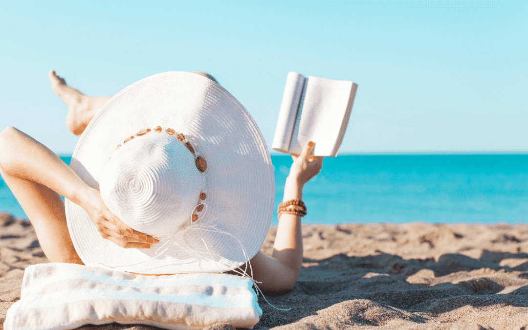 What to bring to the beach: Get my ultimate beach packing list!