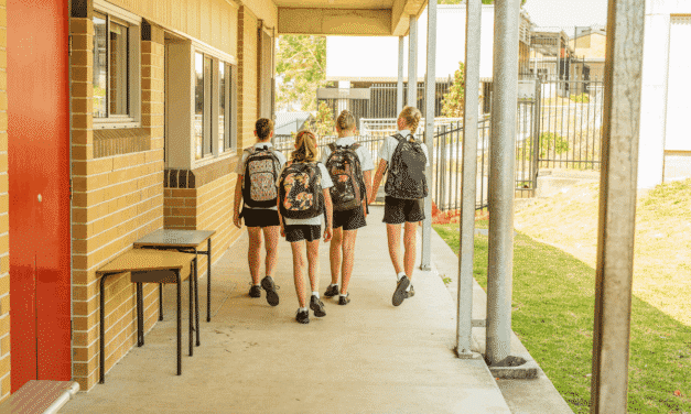 Things to consider when choosing a high school in Australia